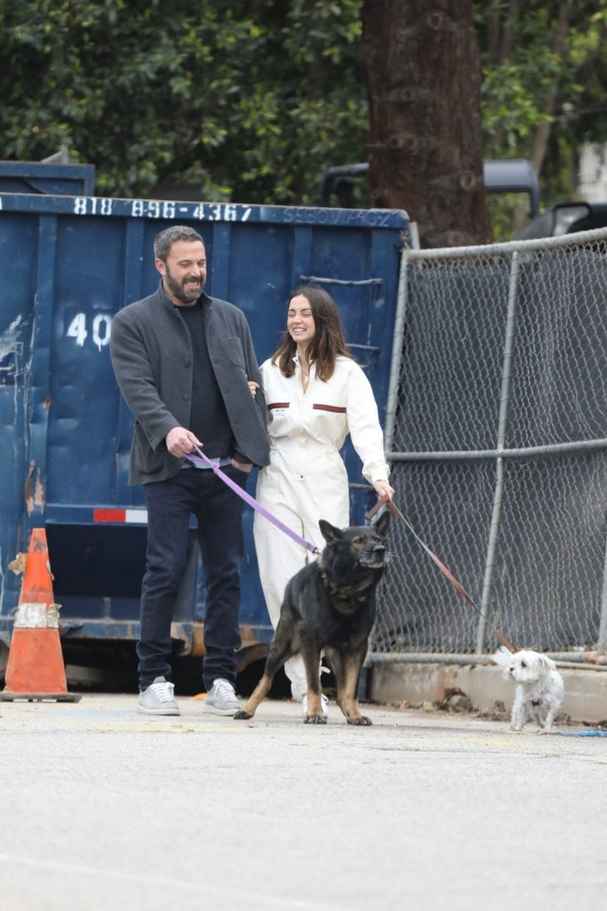 Ana De Armas and Ben Affleck – Morning Stroll for Easter Sunday in Pacific Palisades 2020 (13 Photos)