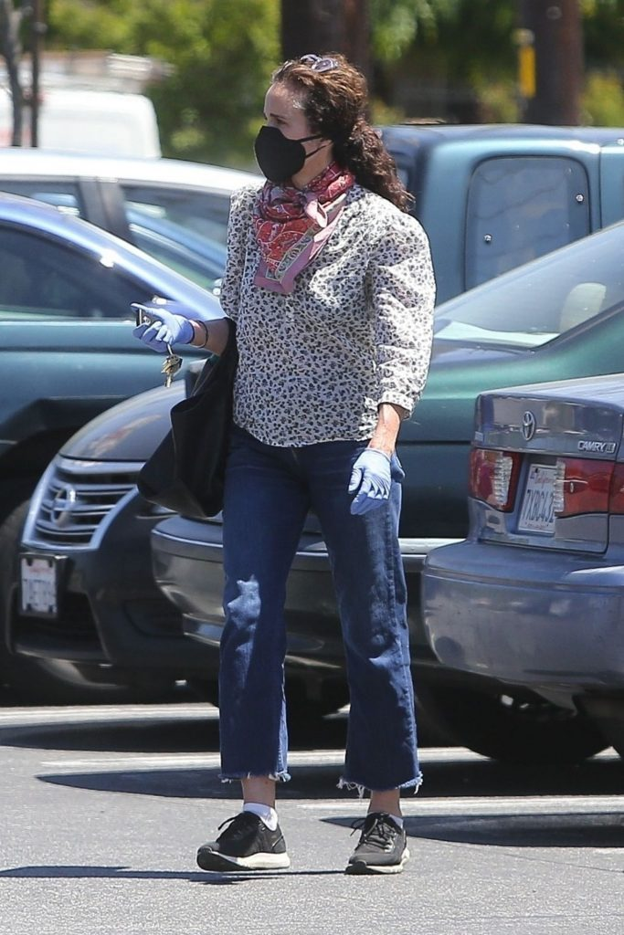 Andie MacDowell – Out in LA 2020 (7 Photos)