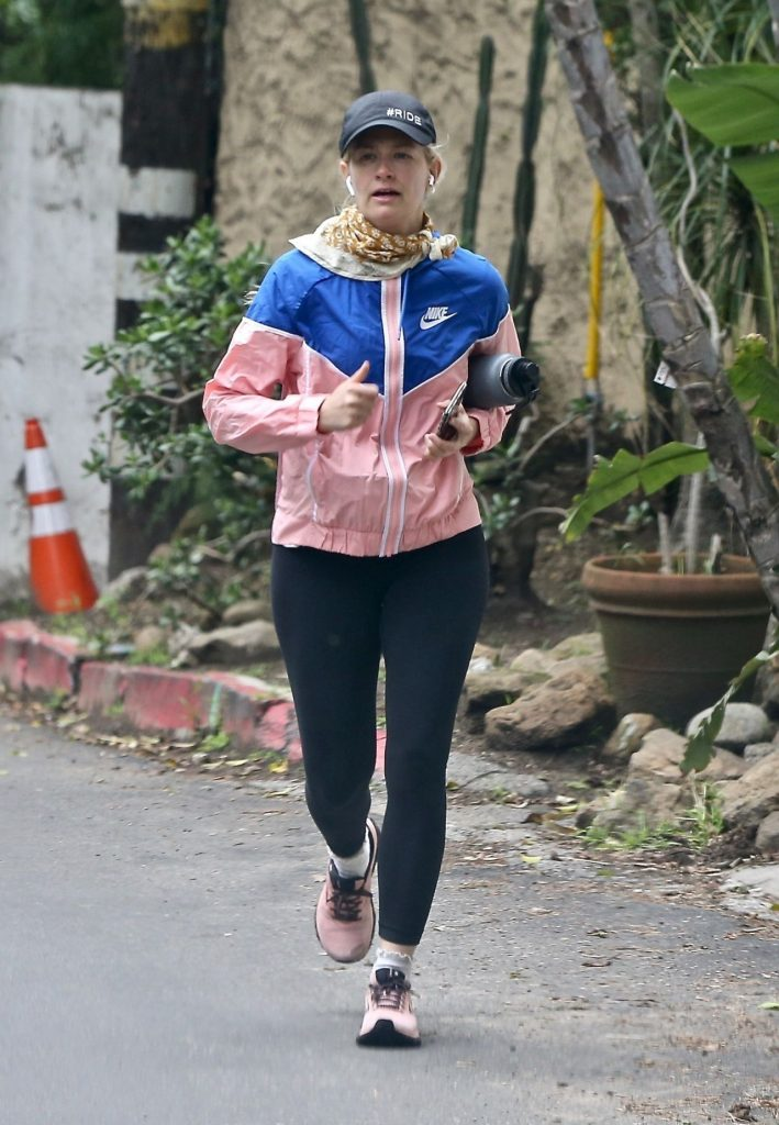 Beth Behrs – Jogging in LA 2020 (3 Photos)