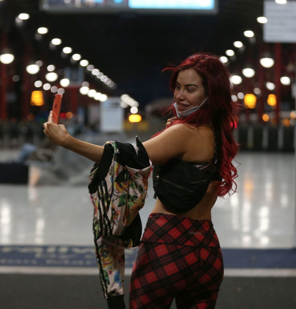Carla Howe – With A Mask in London 2020 (10 Photos)