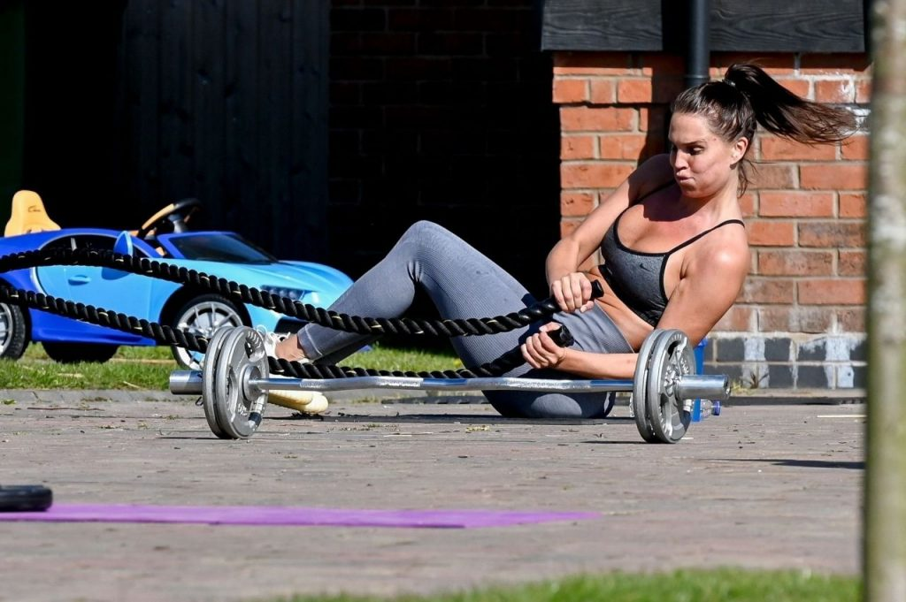 Danielle Lloyd – Working Out in Her Yard in Liverpool 2020 (18+ Photos)