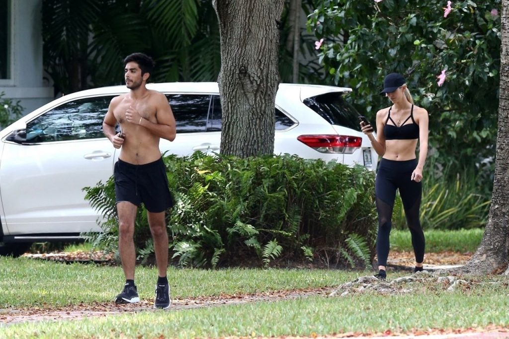 Devon Windsor and Jonathan Barbara – Works Out Together 2020 (11 Photos)