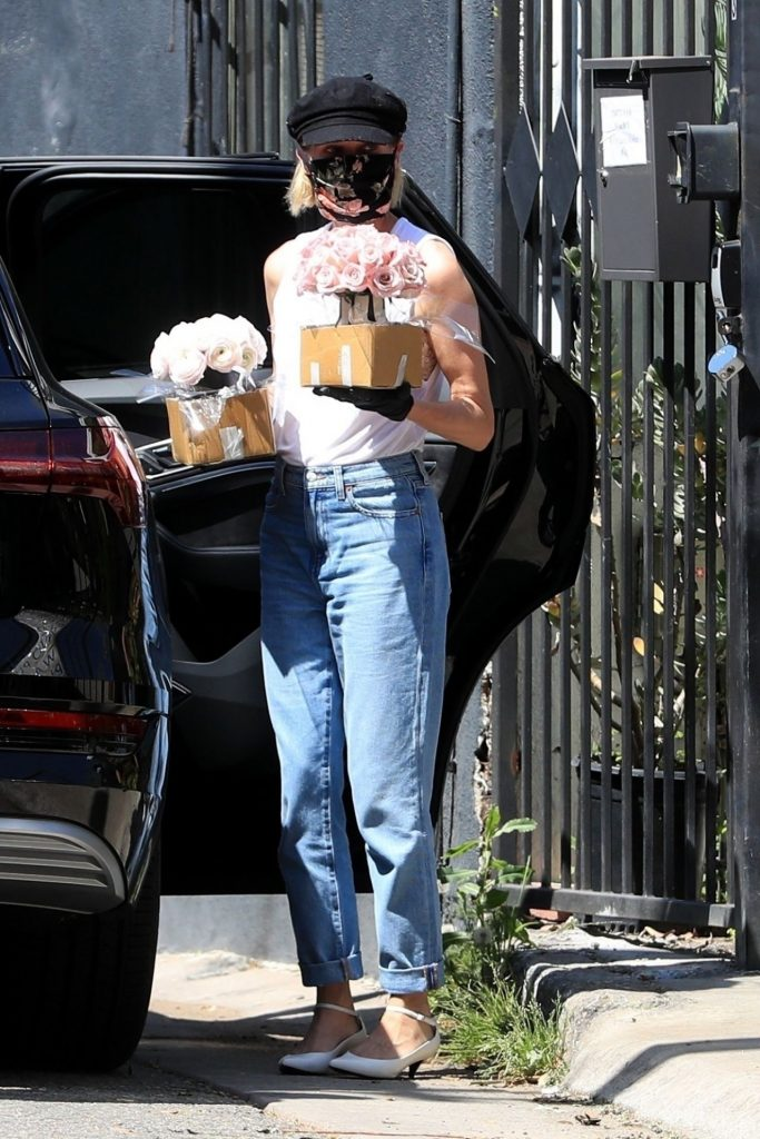Diane Kruger – Pick Out Some Flowers in West Hollywood 2020 (10 Photos)