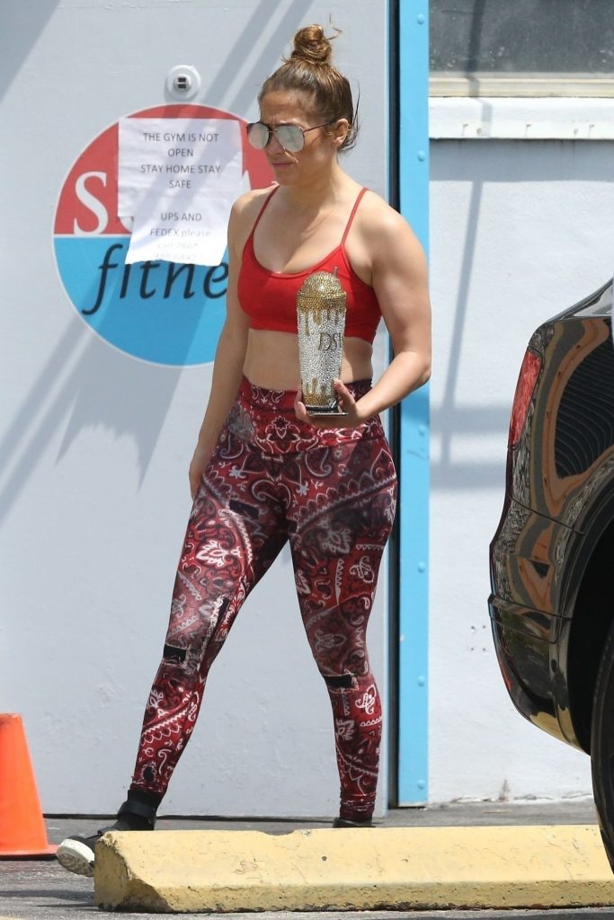 Jennifer Lopez in Gym Ready Outfit 2020 (16 Photos)