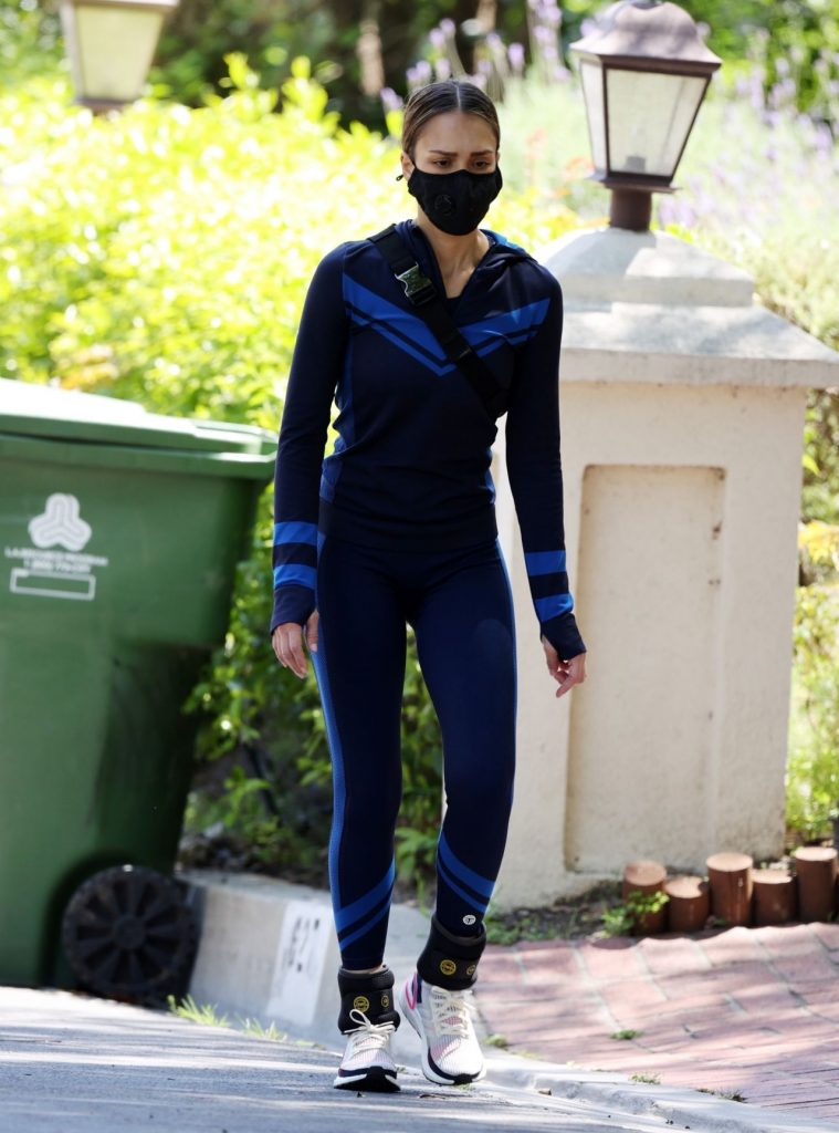Jessica Alba Style – Workout in Beverly Hills 2020 (10 Photos)