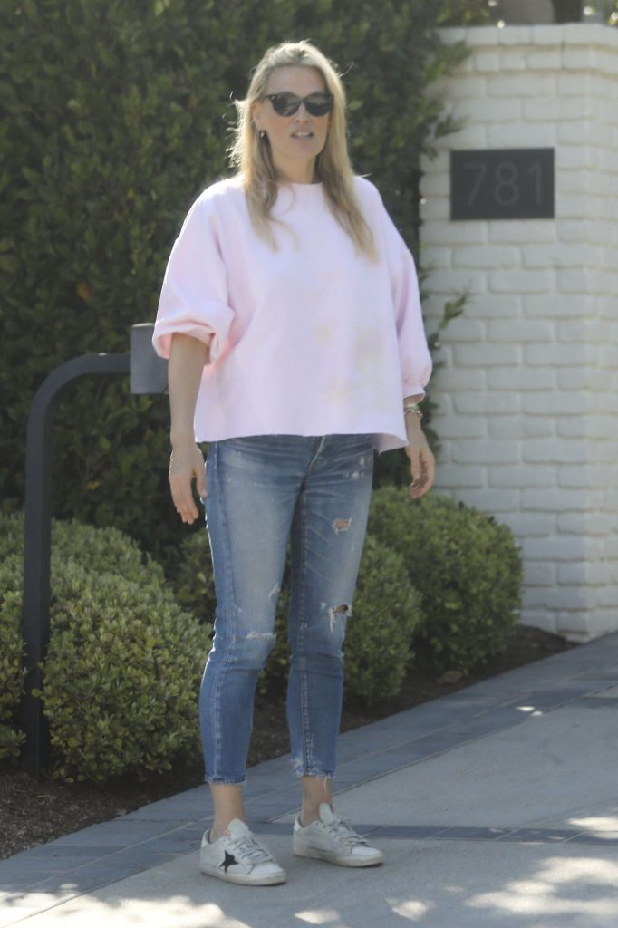 Molly Sims – Outside Her Home in LA 2020 (4 Photos)