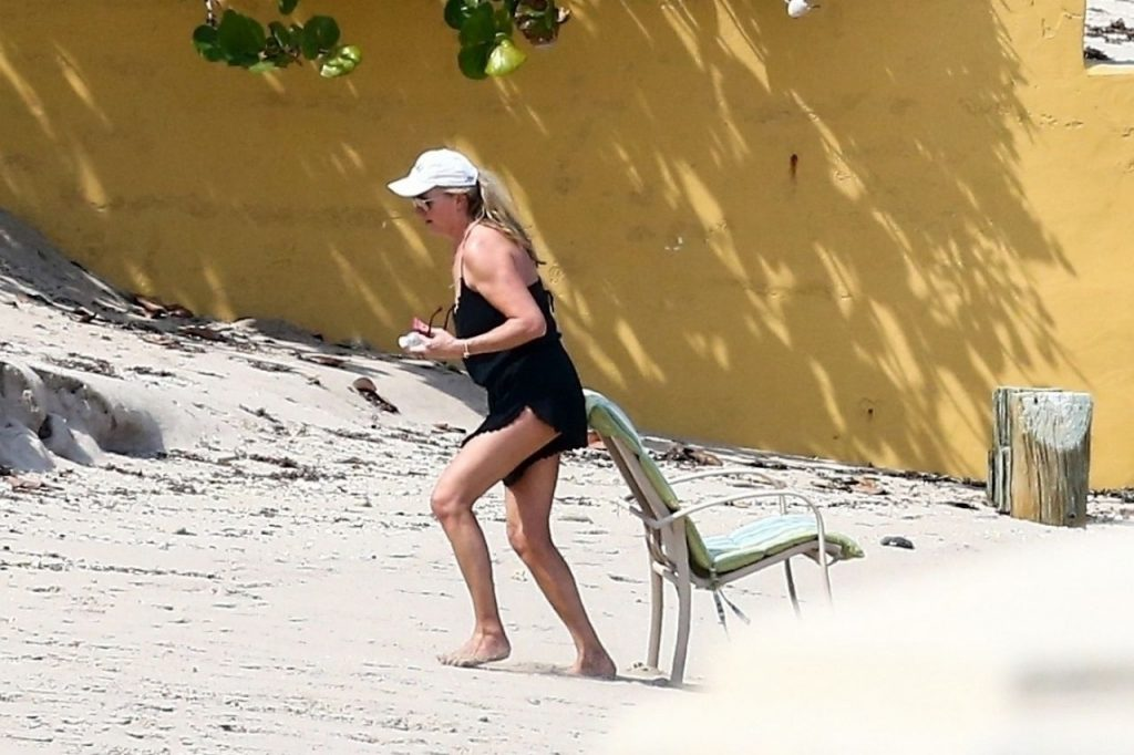 Penny Lancaster at the Beach in West Palm Beach 2020 (5 Photos)