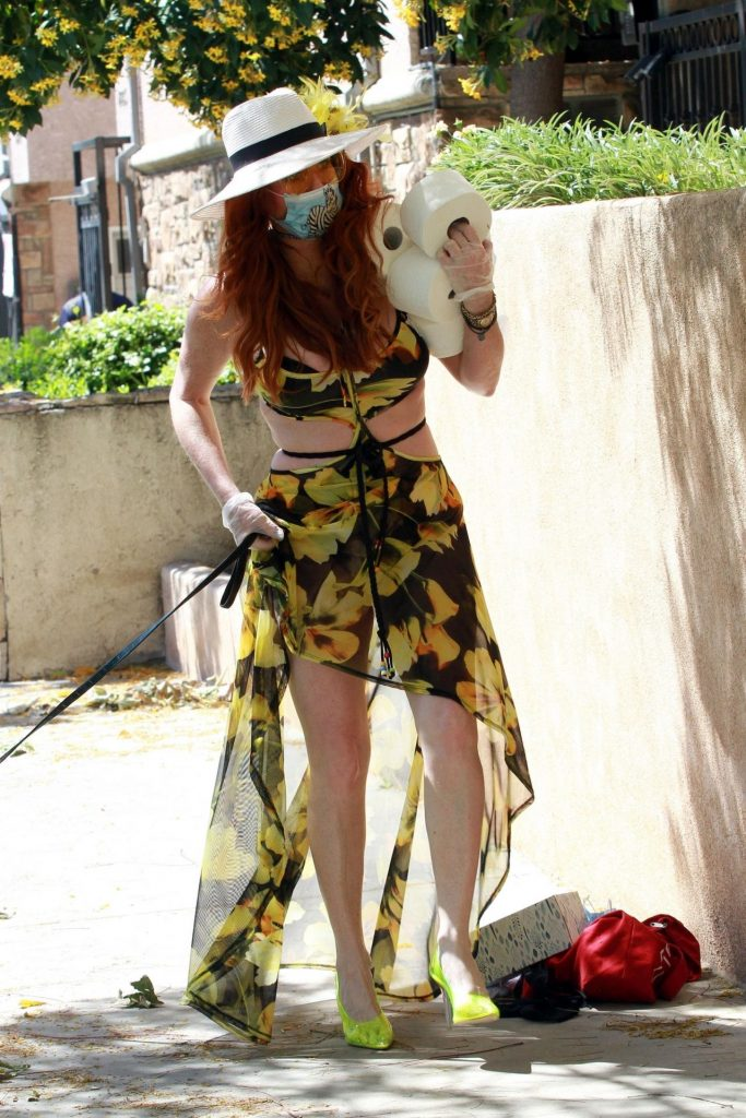 Phoebe Price in Floral Print Dress 2020 (6 Photos)