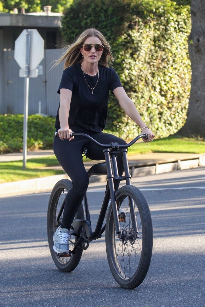 Rosie Huntington-Whiteley – Bike Ride in Beverly Hills 2020 (7 Photos)