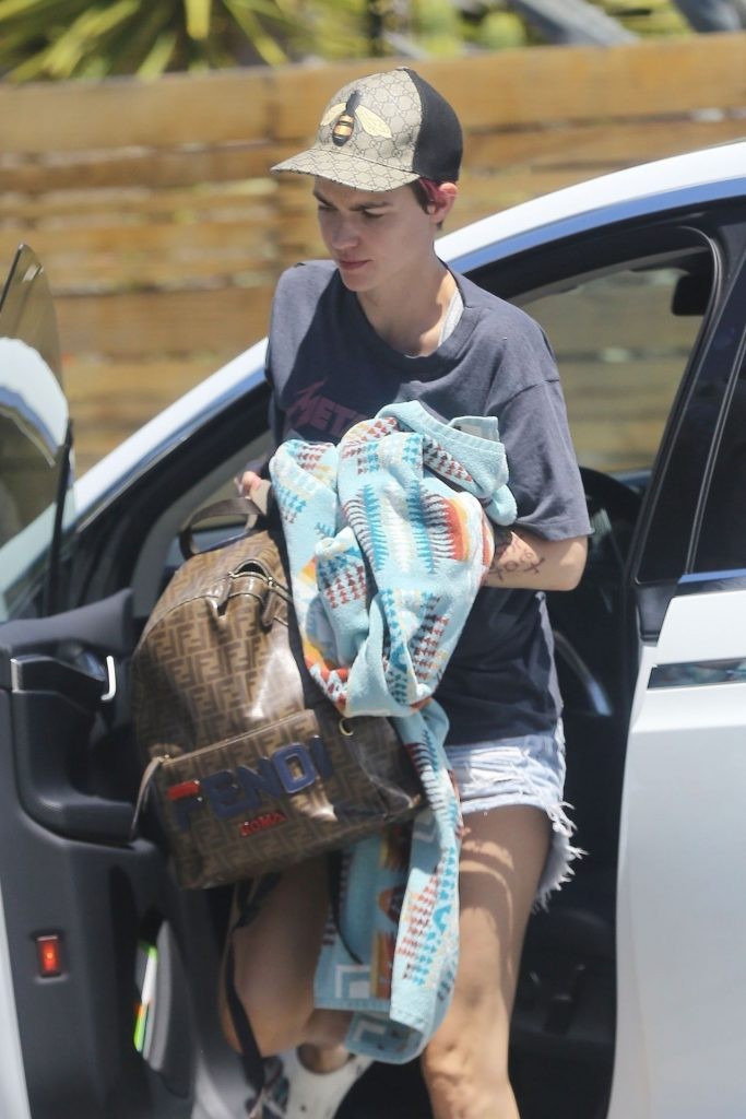 Ruby Rose – Arrives at a Friend's Place 2020 (9 Photos)
