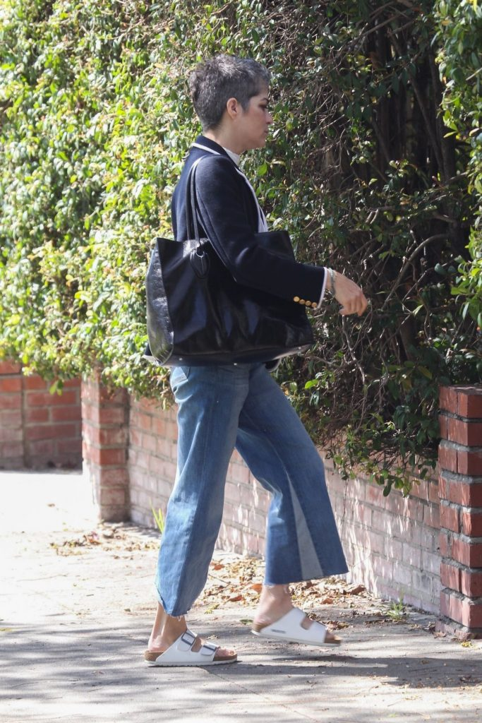 Selma Blair – Out in Los Angeles 2020 (7 Photos)
