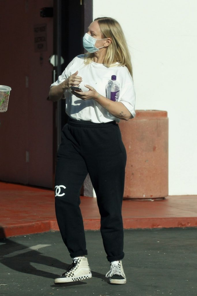 Sia – Out in Palm Springs 2020 (7 Photos)
