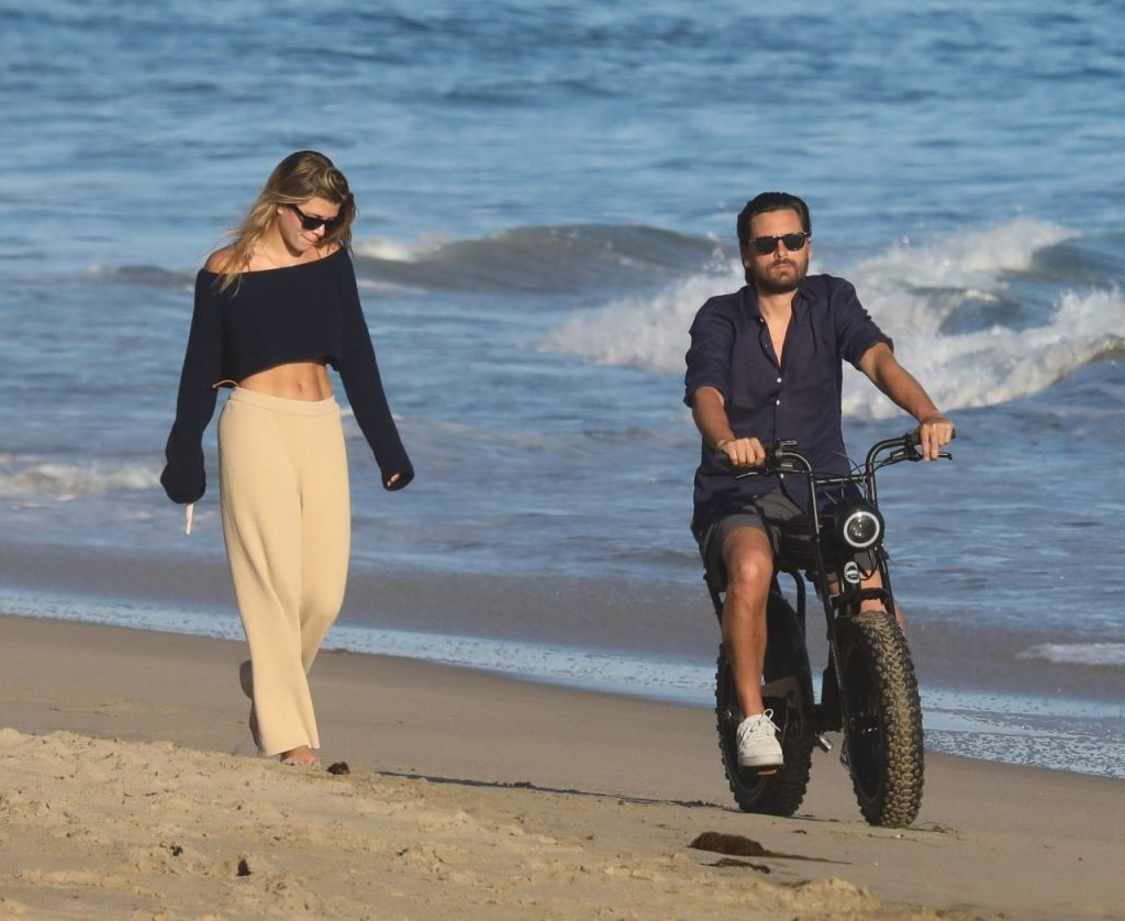 Sofia Richie and Scott Disick – Beach in Malibu 2020 (13 Photos)