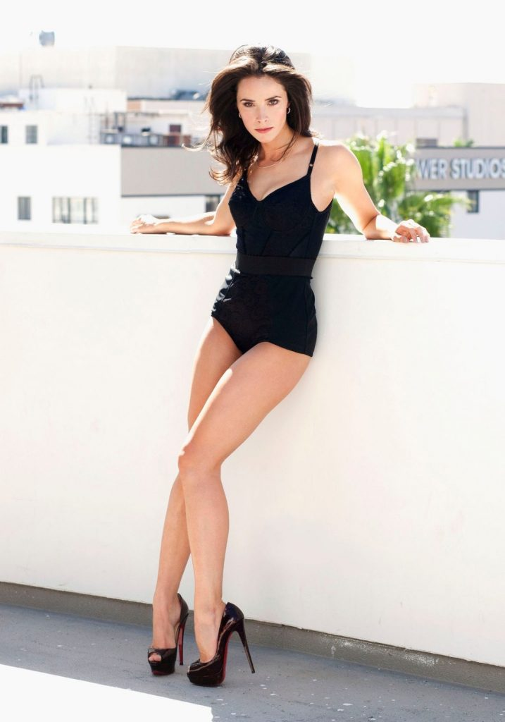 Abigail Spencer – Esquire Magazine 2010 (4 Photos)