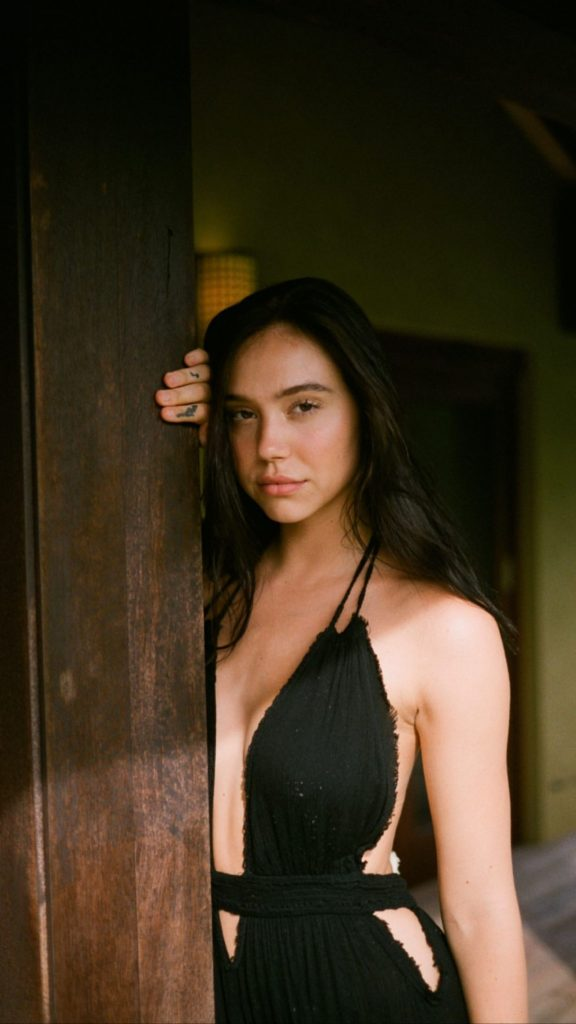 Alexis Ren – Personal Photos and Videos 2020 (11 Photos)