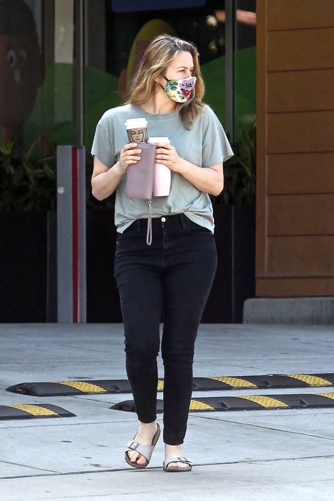 Alicia Silverstone at a Local Starbucks in Beverly Hills 2020 (6 Photos)