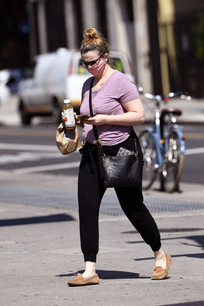 Amber Tamblyn – Out in NYC 2020 (9 Photos)