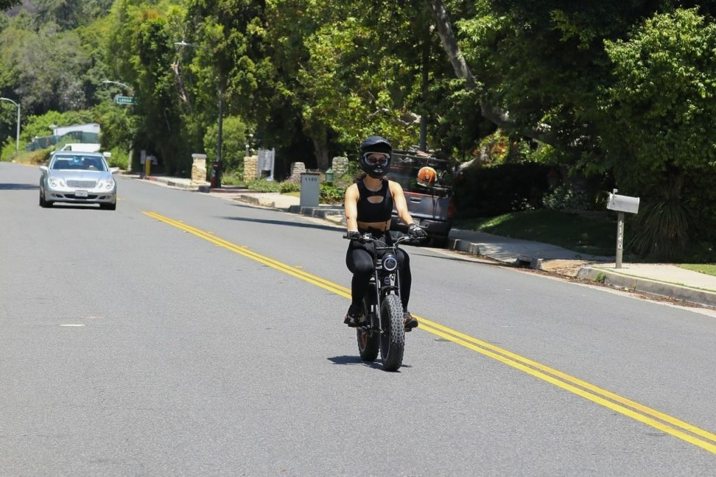 Amelia Hamlin – Takes a Ride on Her Electronic Bike in Beverly Hills 2020 (7 Photos)