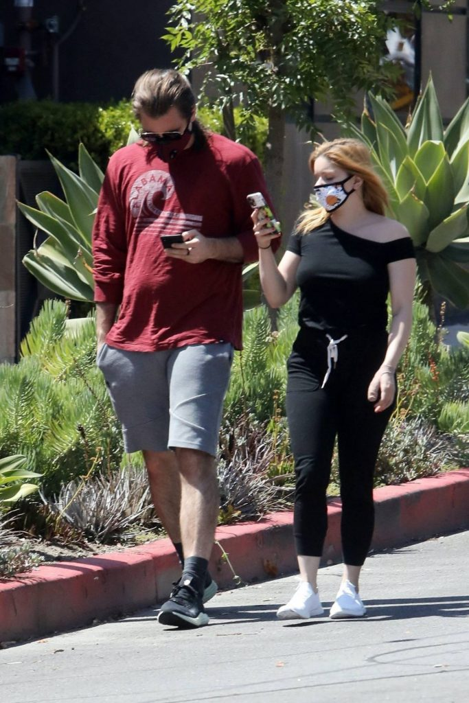 Ariel Winter – Out in Burbank 2020 (7 Photos)