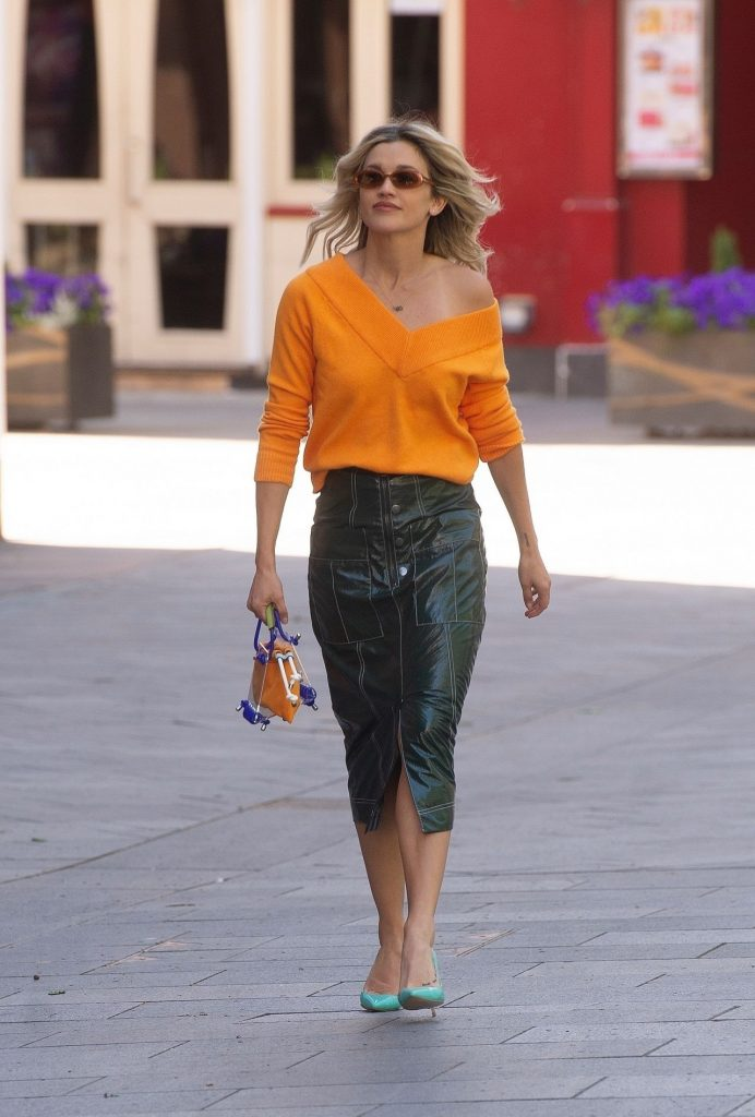 Ashley Roberts in Green Leather Pencil Skirt and Orange Sweater – London 2020 (13 Photos)