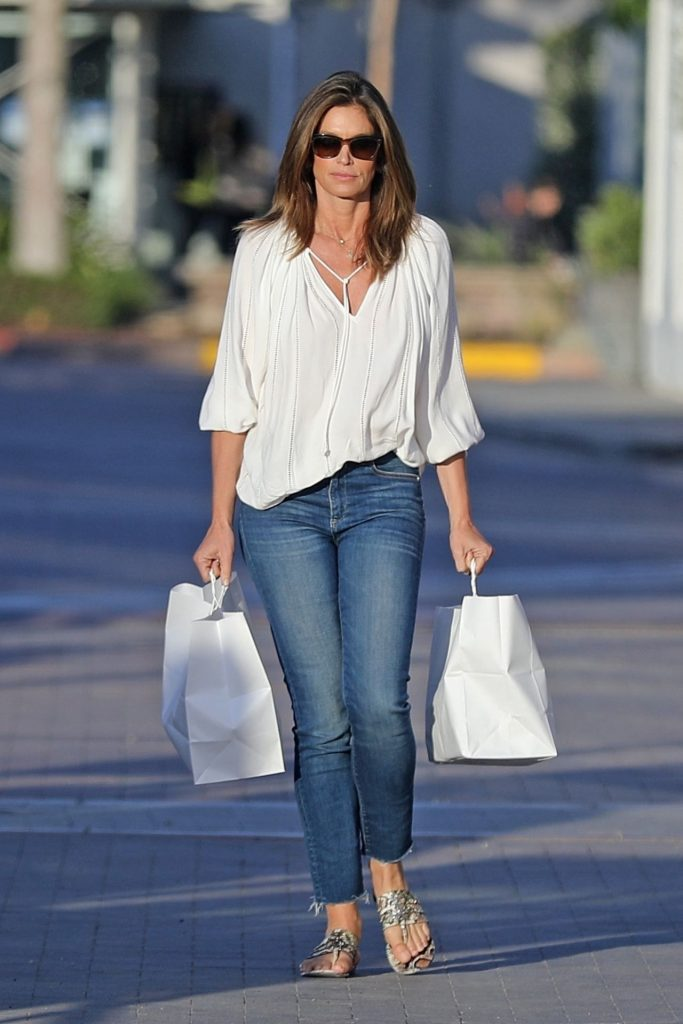 Cindy Crawford – Out in Malibu 2020 (6 Photos)