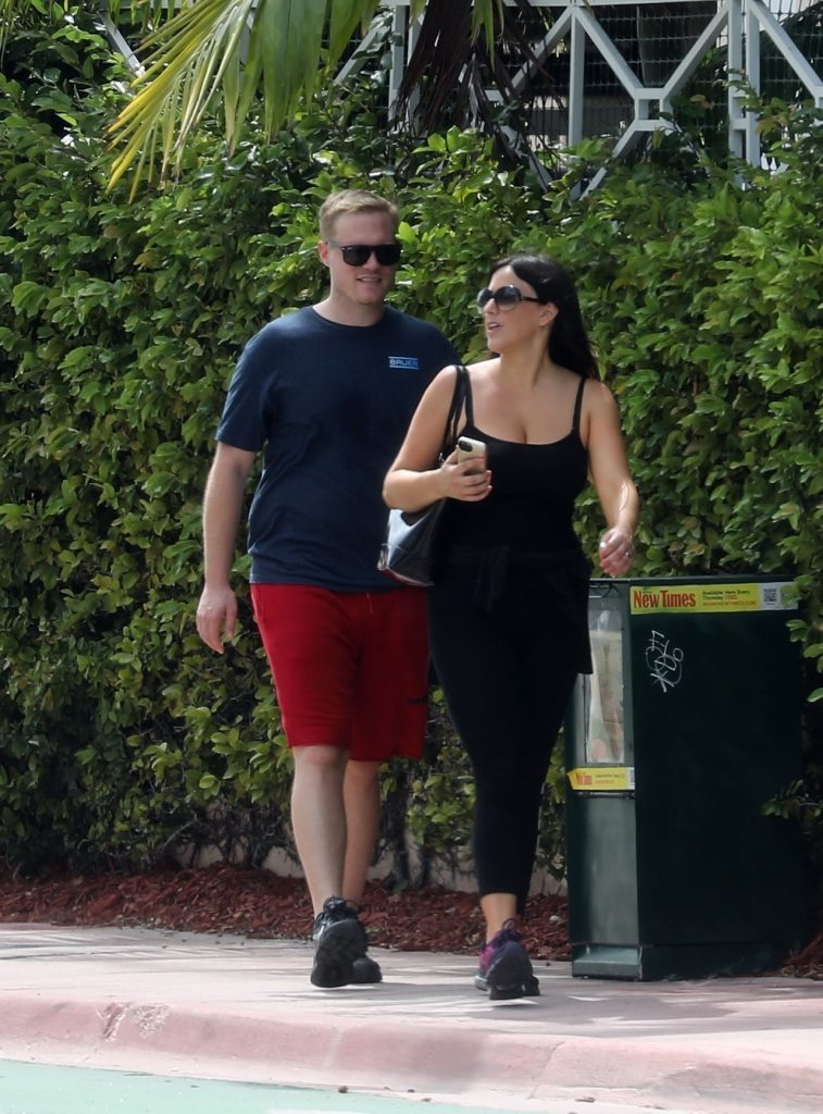 Claudia Romani and Chris Johns – Out in Miami Beach 2020 (9 Photos)