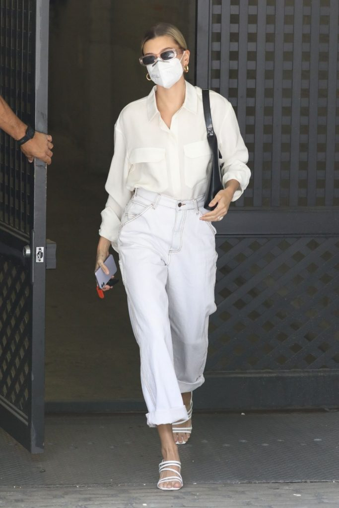 Hailey Bieber – Out in Los Angeles 2020 (13 Photos)