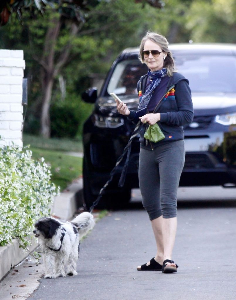 Helen Hunt in Leggings – Out in Brentwood 2020 (5 Photos)
