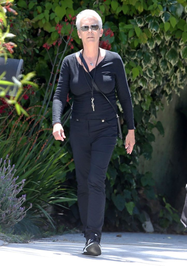 Jamie Lee Curtis – Out in Los Angeles 2020 (4 Photos)