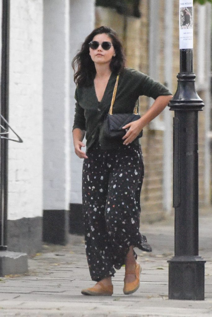 Jenna Louise Coleman – Out in London 2020 (5 Photos)