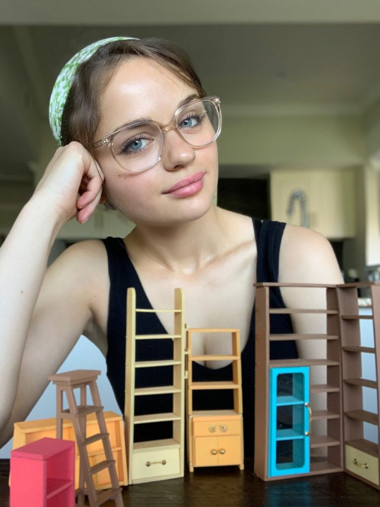 Joey King – Personal Pics 2020 (3 Photos)