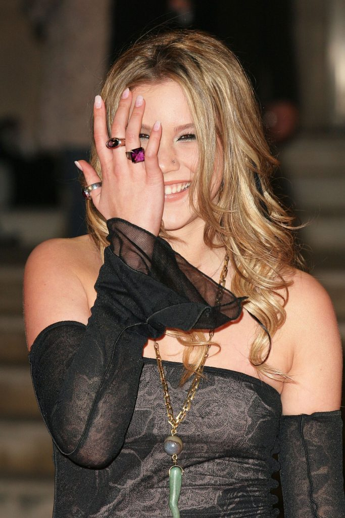 Joss Stone – The Brit Awards 2005 in London (4 Photos)