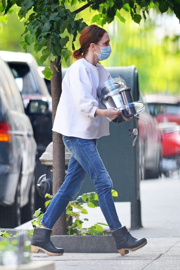 Julianne Moore – Outside Her Home in NY 2020 (7 Photos)