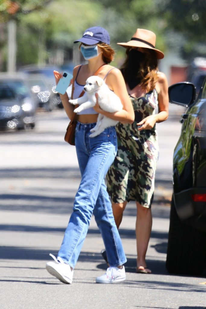 Kaia Gerber and Cindy Crawford – Out in Santa Monica 2020 (13 Photos)