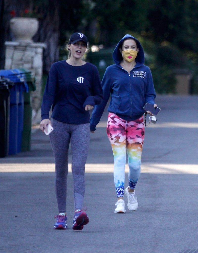 Kate Hudson – Out in Brentwood 2020 (6 Photos)
