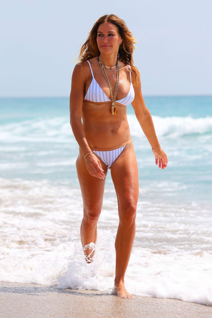 Kelly Bensimon in Bikini 2020 (16 Photos)