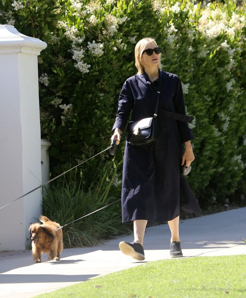 Kelly Rutherford – Out in Brentwood 2020 (7 Photos)