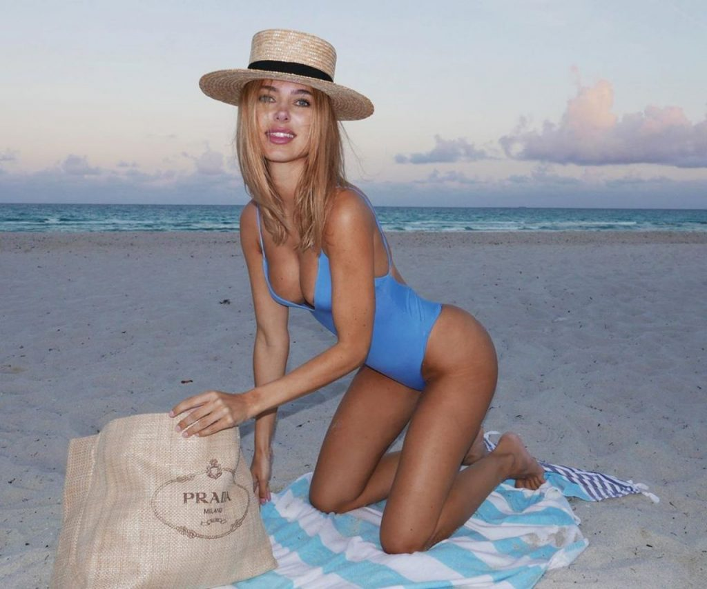 Kimberley Garner in a Swimsuit On The Beach May 2020 (4 Photos)
