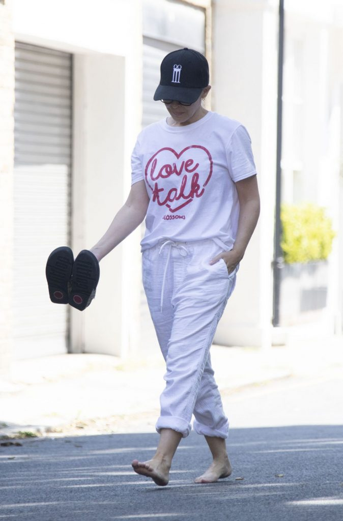 Kylie Minogue – Out in London 2020 (9 Photos)