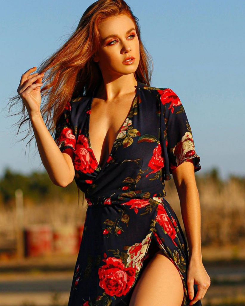 Leanna Decker – Personal Pics 2020 (9 Photos)