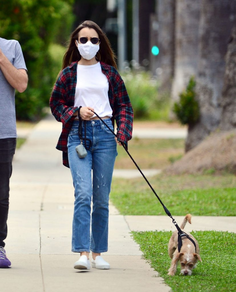 Lily Collins – Stroll in Beverly Hills 2020 (7 Photos)
