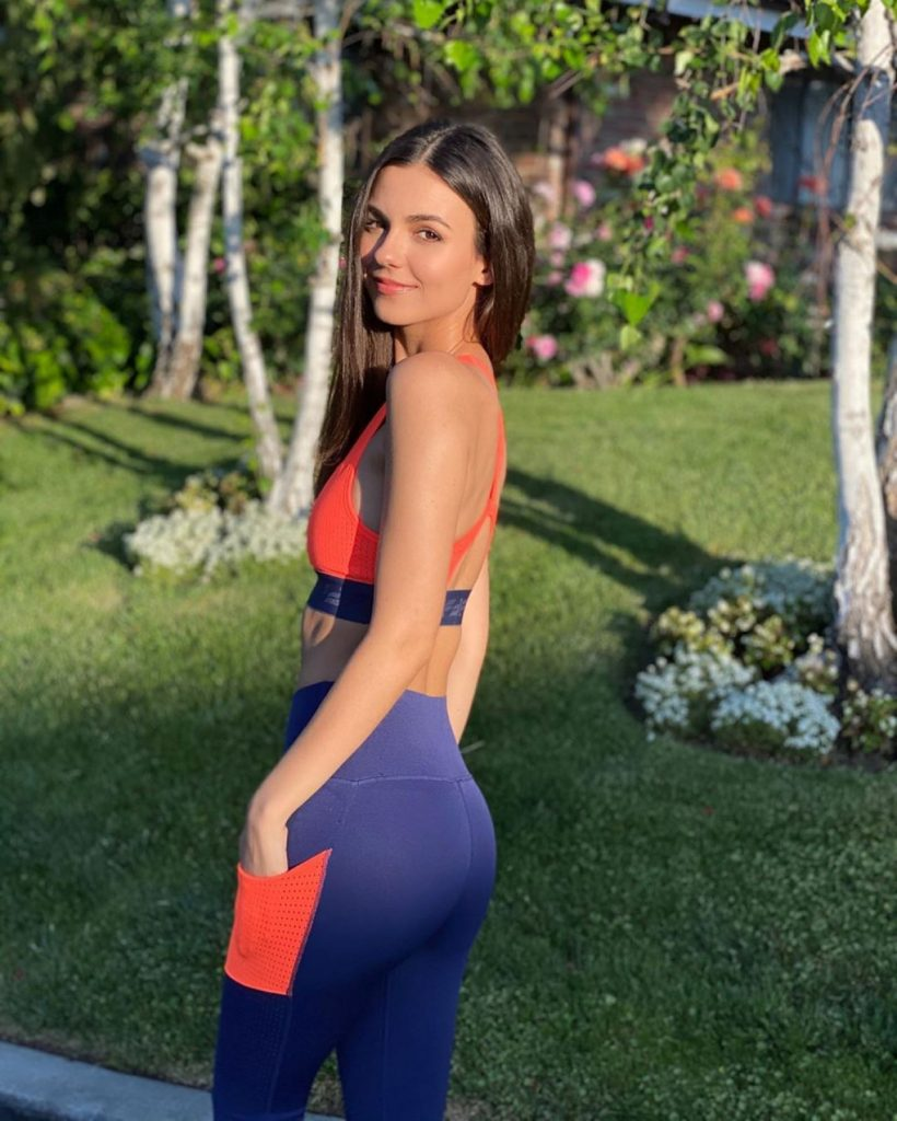 Victoria Justice in Workout Outfit 2020 (2 Photos)