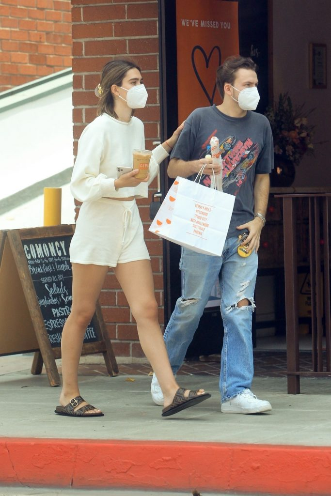 Amelia Hamlin With Her Boyfriend in Beverly Hills 2020