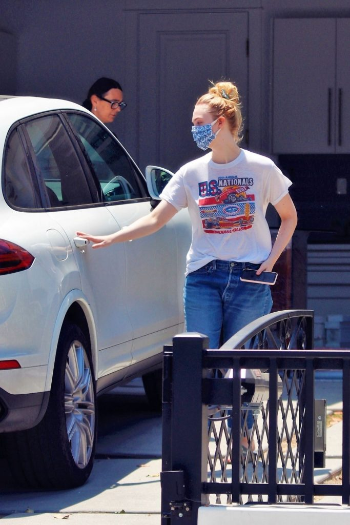 Elle Fanning in a Retro Race T-Shirt – Los Angeles (6 Photos)