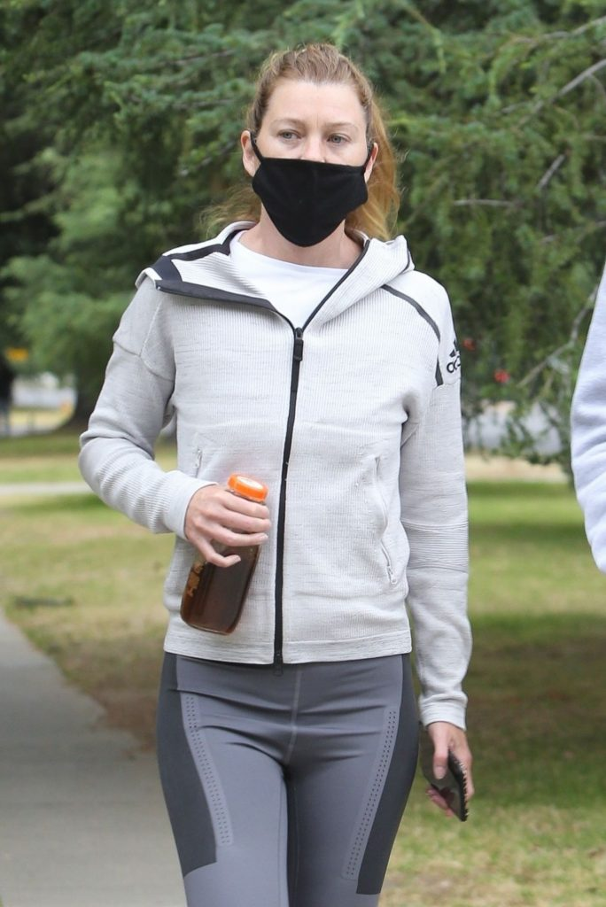 Ellen Pompeo in Workout Gear and a Face Mask (7 Photos)