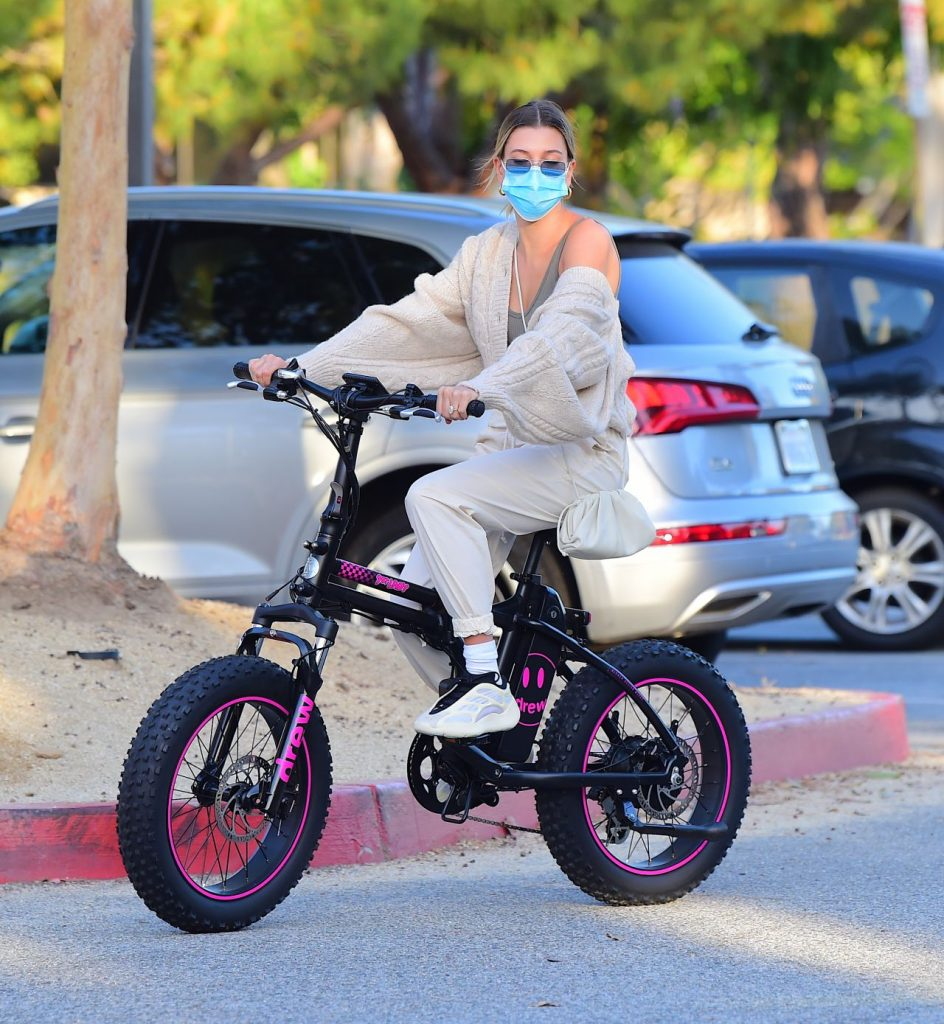 Hailey Bieber and Justin Bieber – Riding Electric Bikes in LA 2020 (12 Photos)
