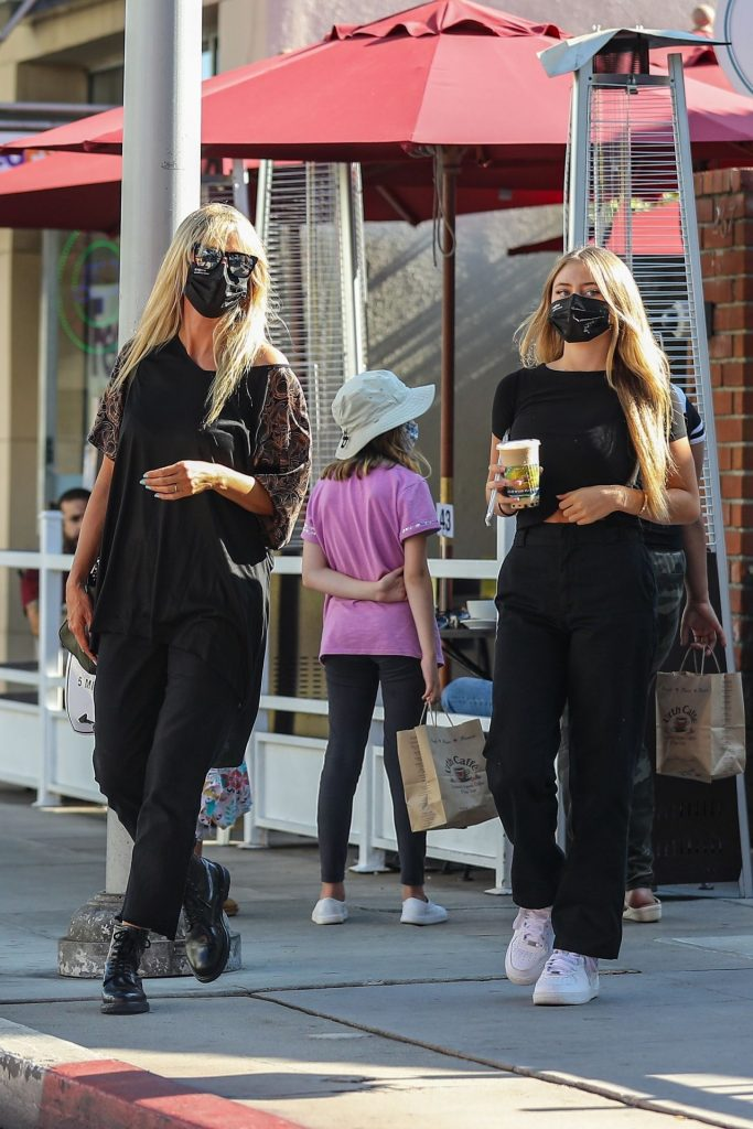 Heidi Klum – Shopping on Rodeo Drive in Beverly Hills 2020