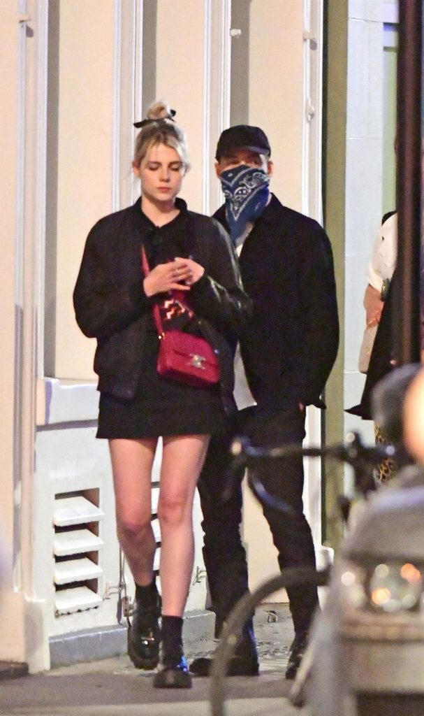 Lucy Boynton and Rami Malek – Out For Dinner in Soho 2020 (9 Photos)
