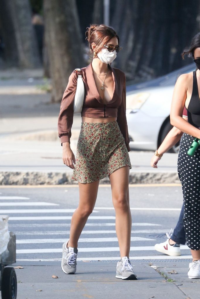 Emily Ratajkowski in Mini Skirt – New York 2020