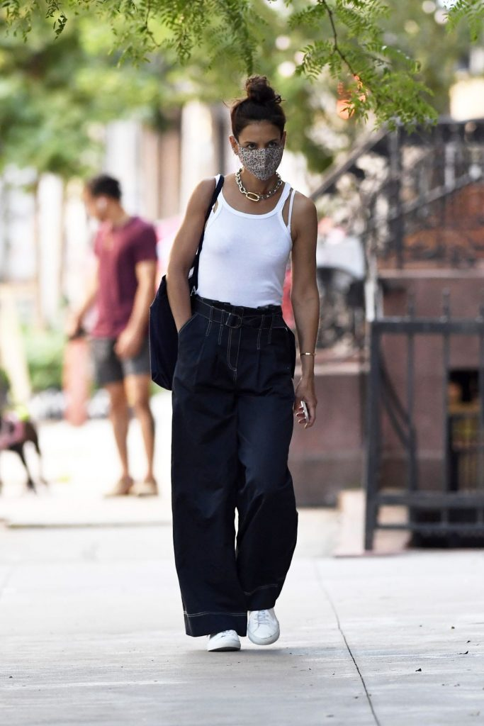 Katie Holmes Street Style – Out in NYC 2020